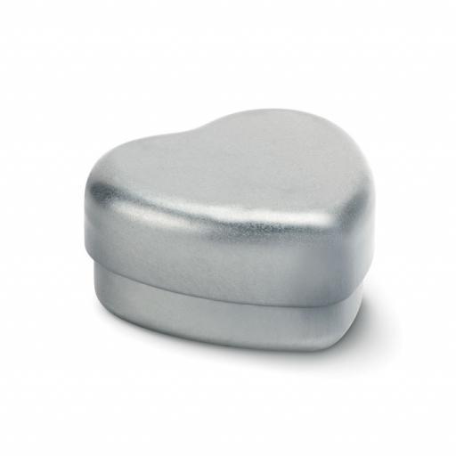 BALMO COEUR Lip Balm in heart shape tin